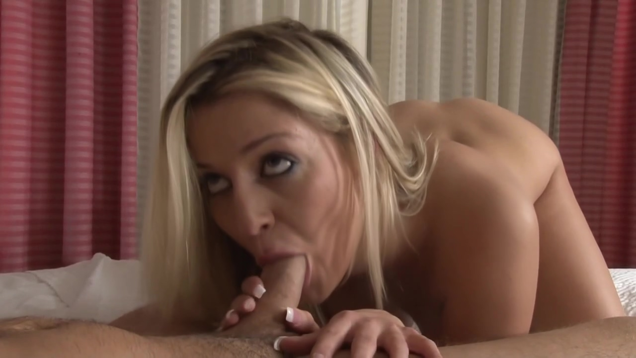 Ash Hollywood And Cody Sky Love To Fuck