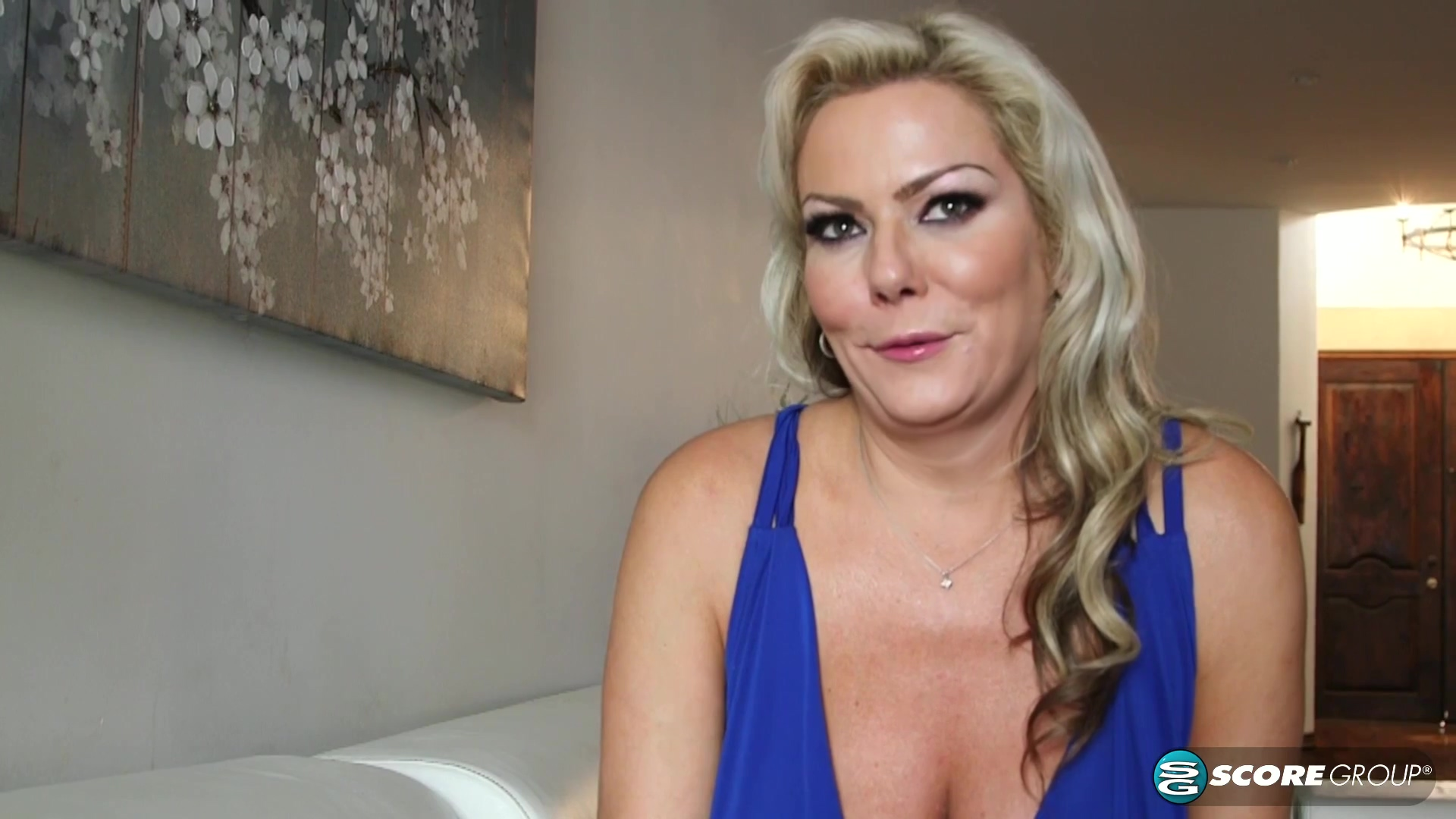 Blonde Cougar Is Fucked By Two Great Cocks