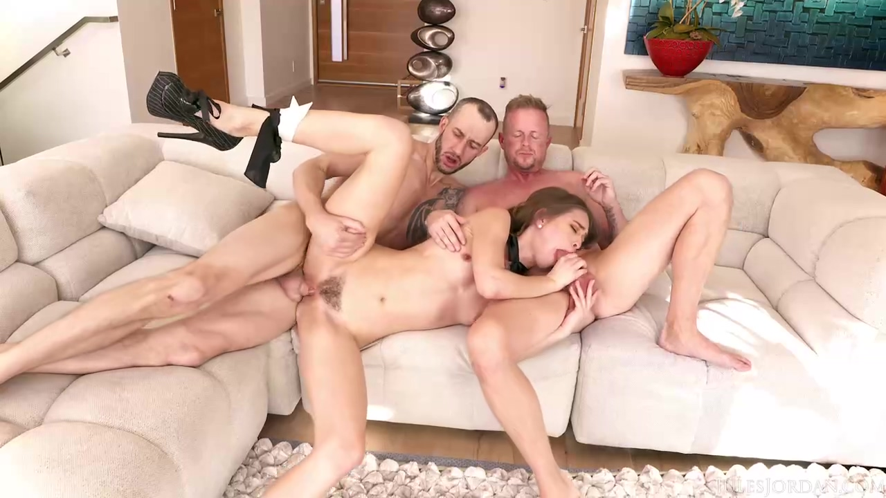 And Riley Reid Are Having A Steamy Three-way That Includes Plenty Of Ass Fuck
