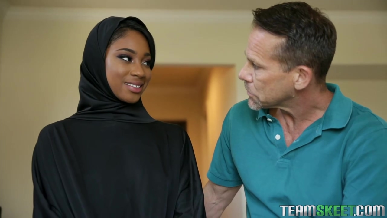 Lala Ivey Is Wearing Her Head Scarf Even While Cheating On Her Man With His Friend