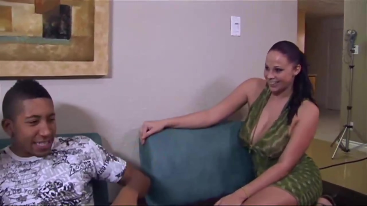 Gianna Michaels And Her Hot Friends Are Having Wild Group Sex In Front Of The Camera