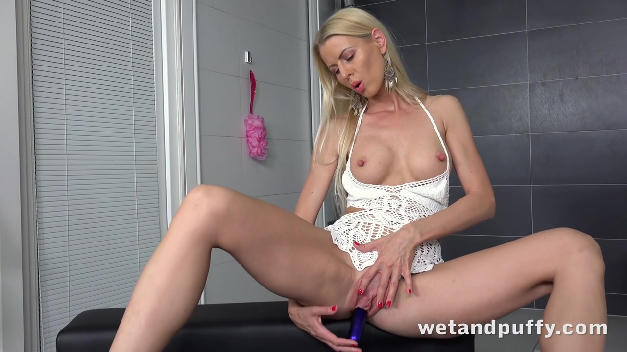 Erotic Blonde Babe Lynna Nilsson Likes To Play With A Vibrator Every Once In A While