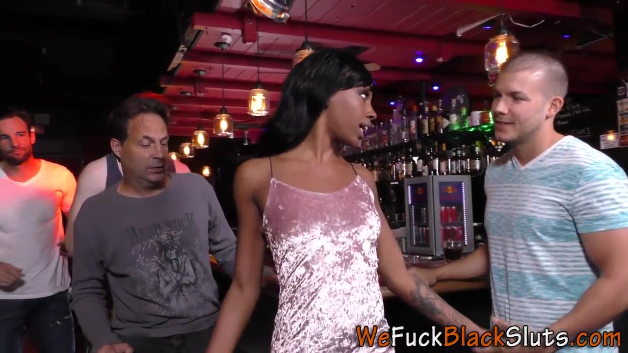 Afro-american Babe Gets Gangbanged