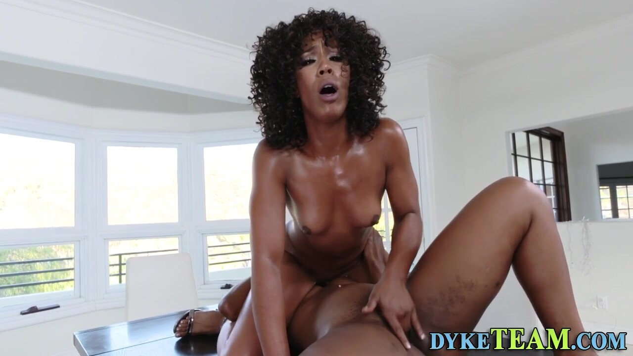 Afro-american Mom Scissors Sapphic Young