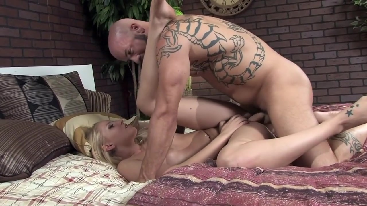 Fabulous pornstars Dakota Skye and Vyxen Steel in incredible big ass, cunnilingus adult scene