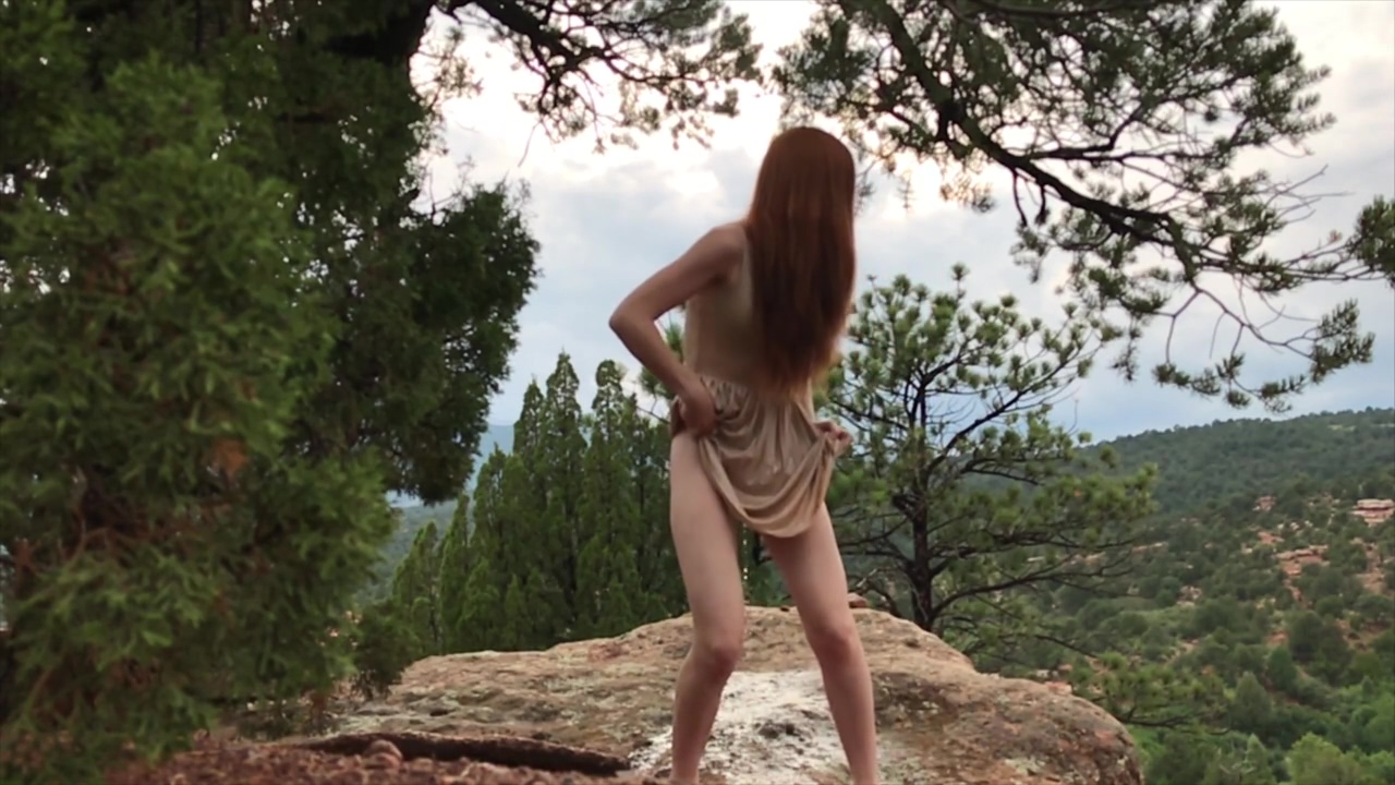 Desperate To Pee While Hiking! - freckledRED
